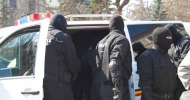Traficanţi de droguri, prinşi de poliţiştii constănţeni