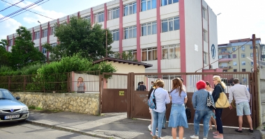 ÎNCEPE EVALUAREA NAŢIONALĂ. Absolvenţii de clasa a VIII-a susţin astăzi proba la limba română