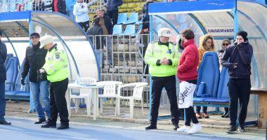 GALERIE FOTO / O candidată s-a prăbuşit pe pistă, în timpul probei sportive pentru angajarea în Poliţia Locală
