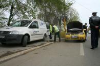 Poliţiştii rutieri şi RAR-ul au luat la puricat taximetriştii