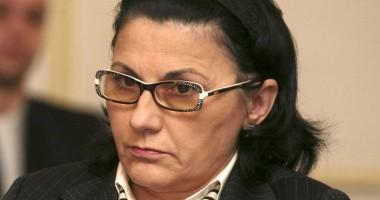 Ministrul Ecaterina Andronescu a pus pe jar Poliţia Constanţa