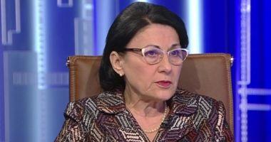 Andronescu: Condiţiile de examinare să fie unitare pentru studenţii care învaţă în diferite limbi