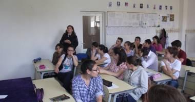 Elevii din Constanţa instruiţi  de jandarmi