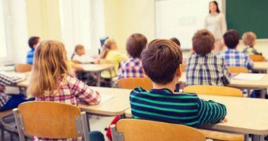 Copiii ar putea primi ajutor financiar pentru after school