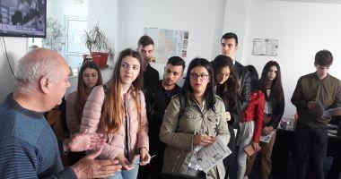 """Elevii Liceului """"Ioan Cotovu"""" din Hârşova, în vizită la redacţia """"Cuget Liber"""""""