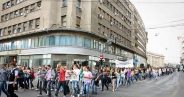 Ministerul se declară împotriva suprasolicitării elevilor