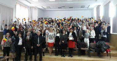 Elevii constănţeni şi basarabeni au sărbătorit împreună Centenarul Unirii