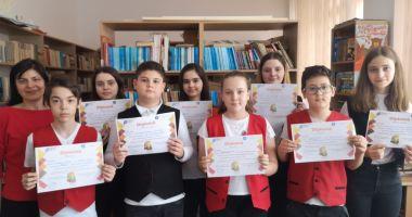 """Elevii de la """"Lucian Grigorescu"""", premiați la concursul """"Călători prin istorie"""""""