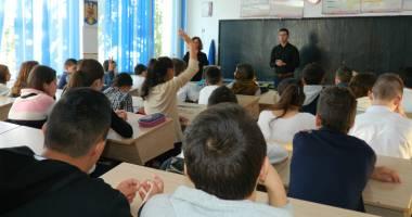 Elevii din Murfatlar învaţă un alt stil de viaţă