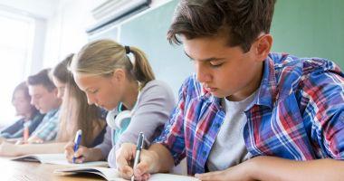 Notele de la simularea examenelor de Evaluare Naţională şi BAC 2019 pot fi trecute în catalog