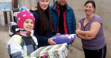 Elevii din Tuzla, la porţile copiilor nevoiaşi