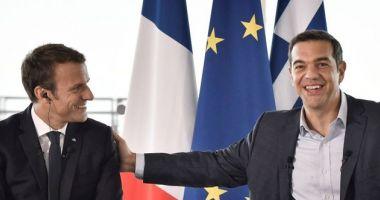 Emmanuel Macron salută curajul şi demnitatea poporului grec în timpul crizei
