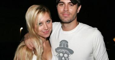 Enrique Iglesias și Anna Kournikova au devenit părinți de gemeni