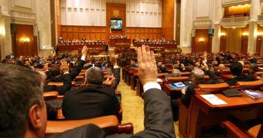 E oficial! Parlamentarii scapă de conflictele de interese constatate între 2007 - 2013