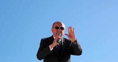 Erdogan luptă pentru Istanbul și Ankara, după înfrângerea șoc, ce face înconjurul lumii