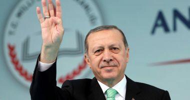 Erdogan l-a numit în funcţia de ministru al Finanţelor pe ginerele său