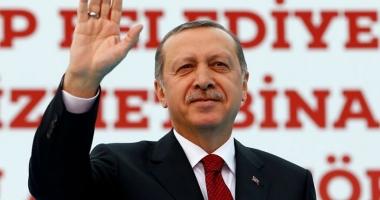 Erdogan nu se satură de putere. Reales preşedinte de partid, după trei ani de absenţă