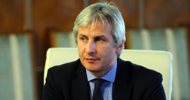 Teodorovici: Guvernul nu ar trebui să modifice Codul fiscal prin ordonanță de urgență