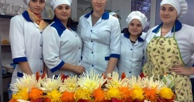 Joburi în străinătate. Bucătarii şi ospătarii, la mare căutare