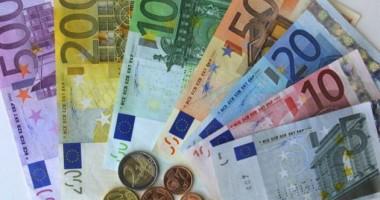 Euro sare de 4,4 lei