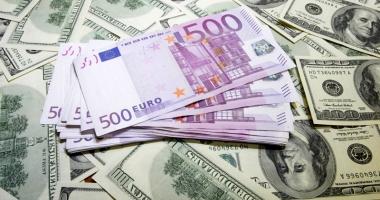 Euro a revenit peste pragul de 1,20 dolari, pentru prima dată în ultimii doi ani