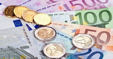 Euro atinge un nou nivel record, de 4,6679 lei
