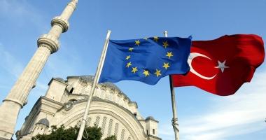 Eurodeputaţii solicită îngheţarea negocierilor de aderare cu Turcia
