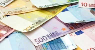 Euro, la nivelul minim din ultimele opt săptămâni