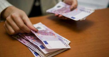 Prăbuşirea leului, de neoprit! Euro a doborât un nou record