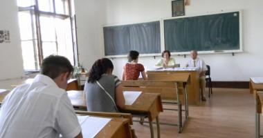 Candidat din Constanţa, eliminat din examen pentru tentativă de fraudă