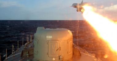 Exerciţiu naval cu trageri de luptă, alături de francezi