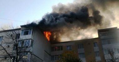 Tânărul ars în explozia din Piatra Neamţ va fi transferat în Belgia cu un avion al MApN