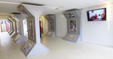 """Expoziţia """"Structuri"""" promovează valorile estetice ale artei"""