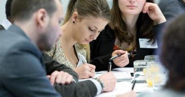 Facilităţi pentru patronii care angajează elevi şi studenţi