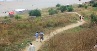 Când vor fi amenajate drumurile de acces către plajele din Constanţa