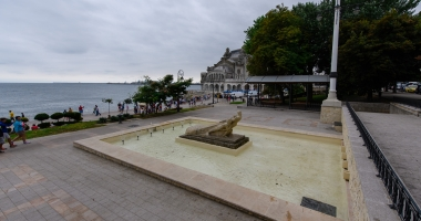 Au fost pornite trei f�nt�ni arteziene din municipiul Constanța