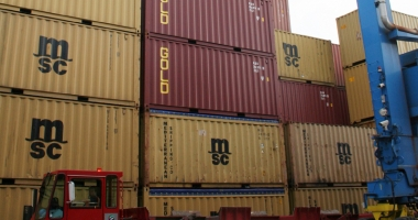 Contrabandă cu farfurii  din Egipt,  la Agigea