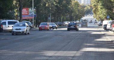 Constănțeni, se asfaltează! Atenție unde parcați mașinile!