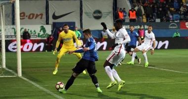 FC Viitorul învinge Steaua şi redevine lidera Ligii l