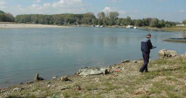 Fetiţă de 13 ani, posibil înecată în braţul Borcea al Dunării