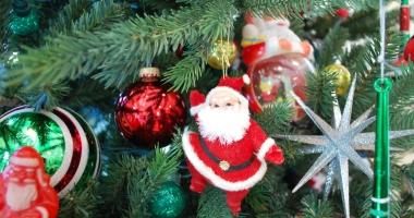 """Deseară, Festivalul Naţional de Datini şi Obiceiuri Populare de Crăciun şi Anul Nou """"Pomul de Crăciun"""""""
