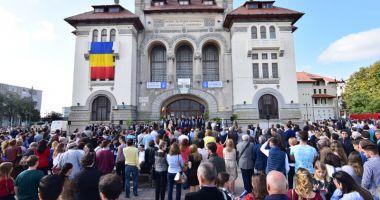 Spectacole susținute în PIAȚA OVIDIU din Constanța  cu ocazia zilei de 1 IUNIE