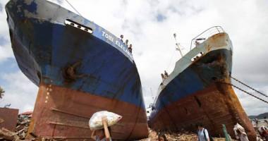 Filipinele, devastate de taifunul Haiyan. Stare de urgen�� �n insula Leyte