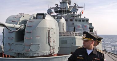 Flota rusă din Crimeea supraveghează navele NATO intrate în Marea Neagră