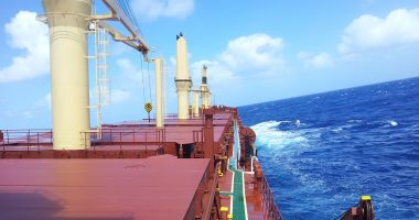 Pe navele sechestrate de Bancorex, foamea stă la pândă