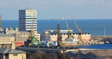 Cine pune în pericol portul Constanţa