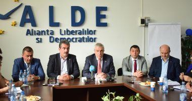 Planuri pentru Constanţa. Îl convinge Tăriceanu pe Hașotti să intre în ALDE?