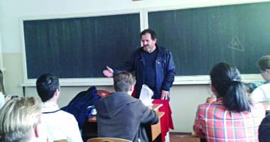 Prof. Marian Sârbu, la ora de dirigenţie: