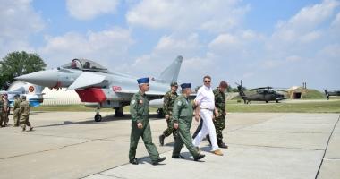 Klaus Iohannis, în vizită  la baza militară Kogălniceanu: