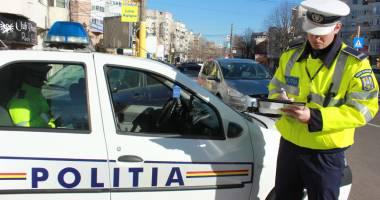 Ai rămas pieton după ce te-a oprit Poliţia? Cum îţi poţi recupera permisul mai rapid